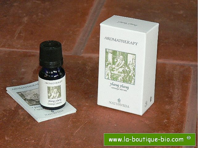 <B>HE - YLANG-YLANG</B><br>Cananga Odorata<br>NAT - 100% NATUREL<br>10 ml
