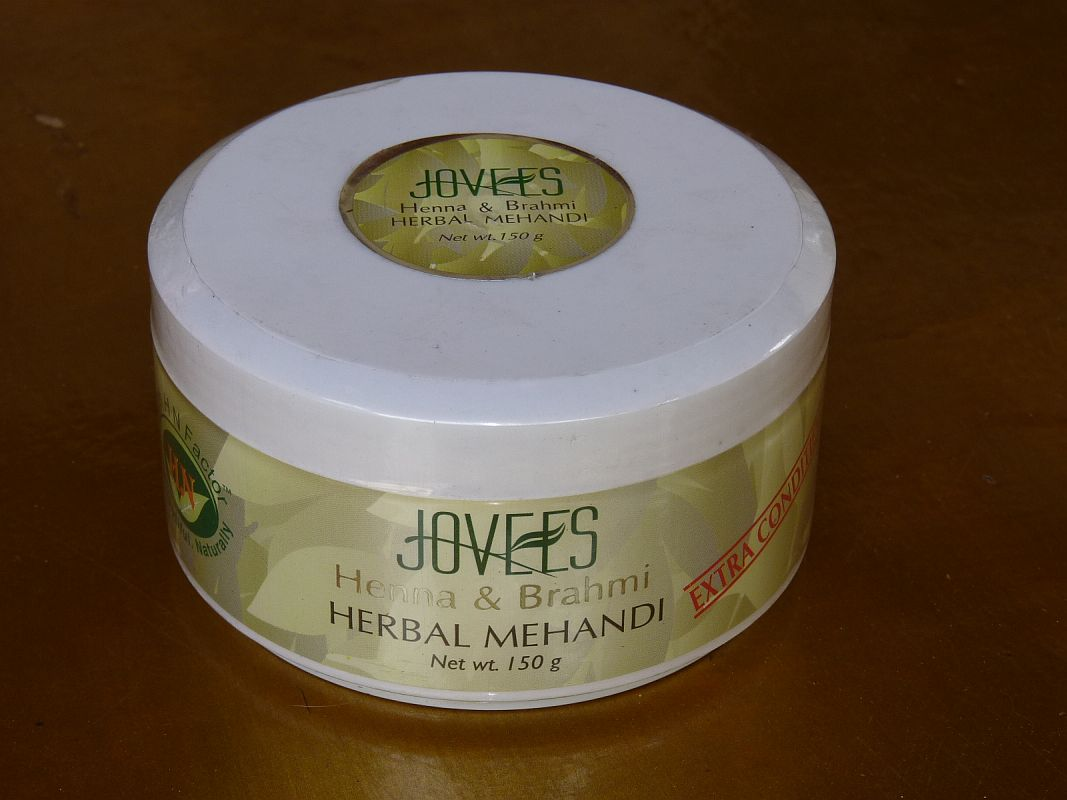 <b>HENNE ET BRAHMI HERBAL MEHANDI</B><BR>JOVEES - Henna and Brahmi herbal Mehandi<BR>150 grs