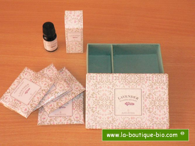 <B>SMALL GIFT BOX - LAVENDER</B><BR>NAT - SMALL GIFT BOX<BR>LAVENDER