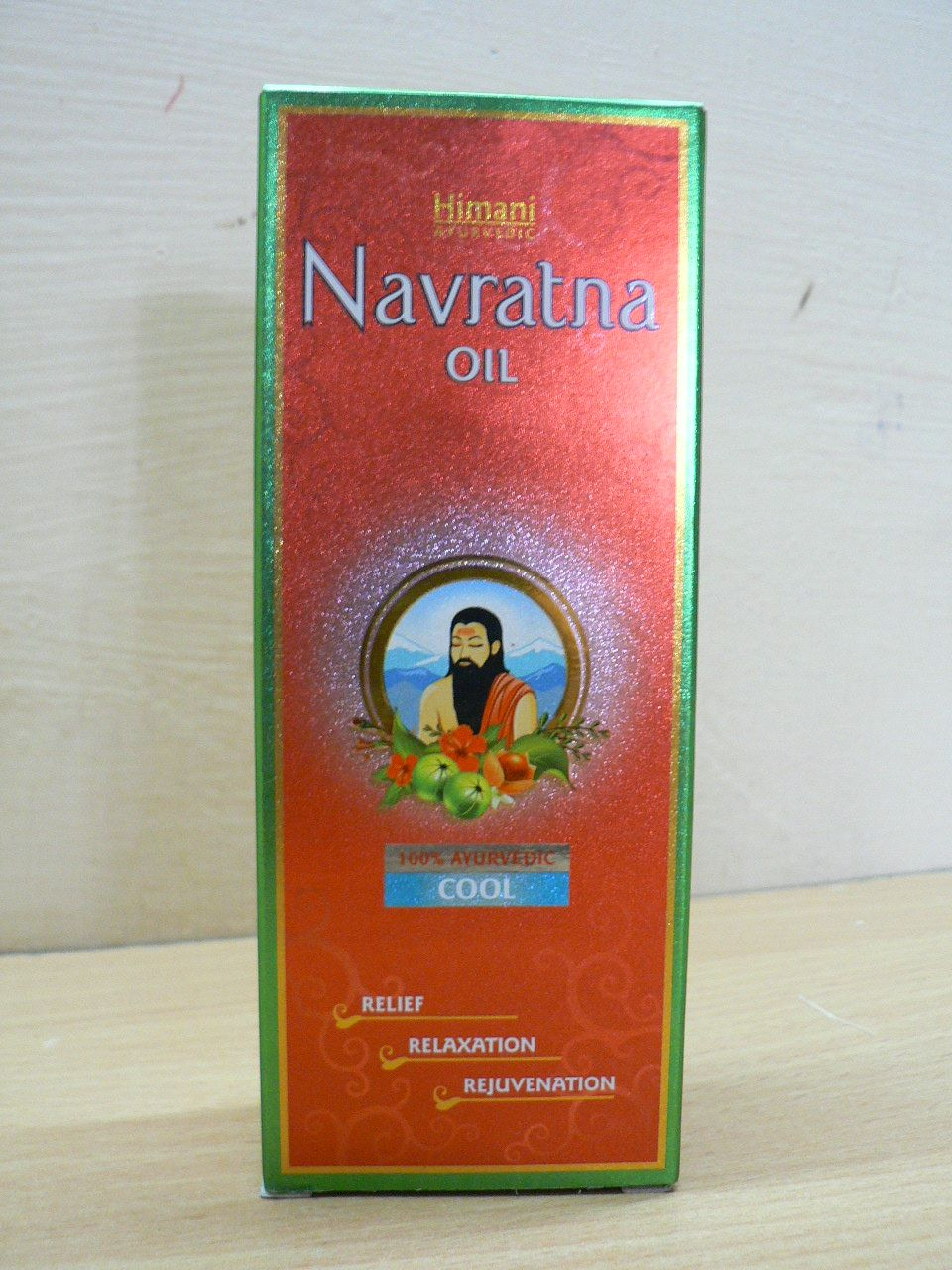 <B>REFRESHING AND COOLING OIL</B><BR>HIMANI NAVRATNA OIL<BR>300 ml