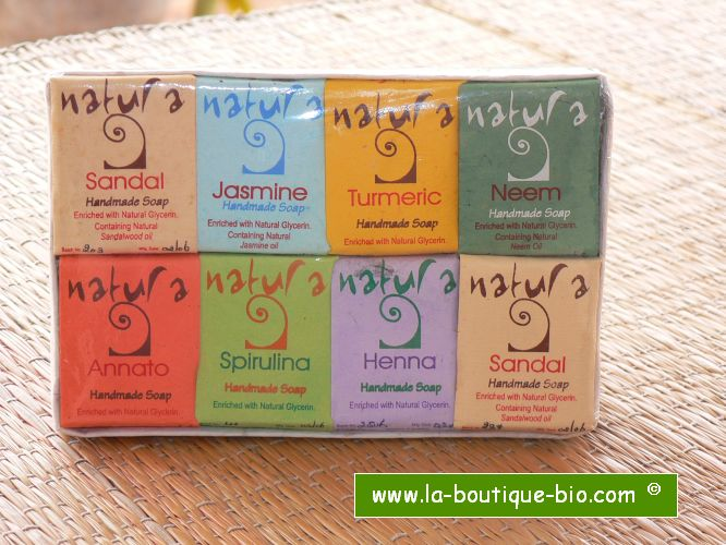 <b>ASSORTIMENT DE SAVONS NATURA</B><BR>GIFT PACK - 8 NATURA SOAPS<br>IMA - 8 x 30 grs