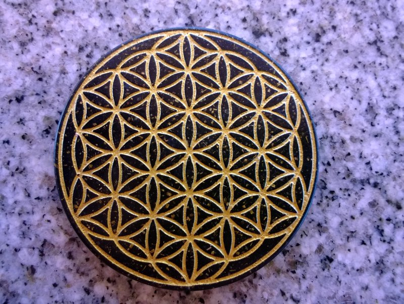 <B>ORGONITE - FLEUR DE VIE</B><BR>ORGONITE FLOWER OF LIFE - TABLETTE - PORTABLE<br>SHUNGITE