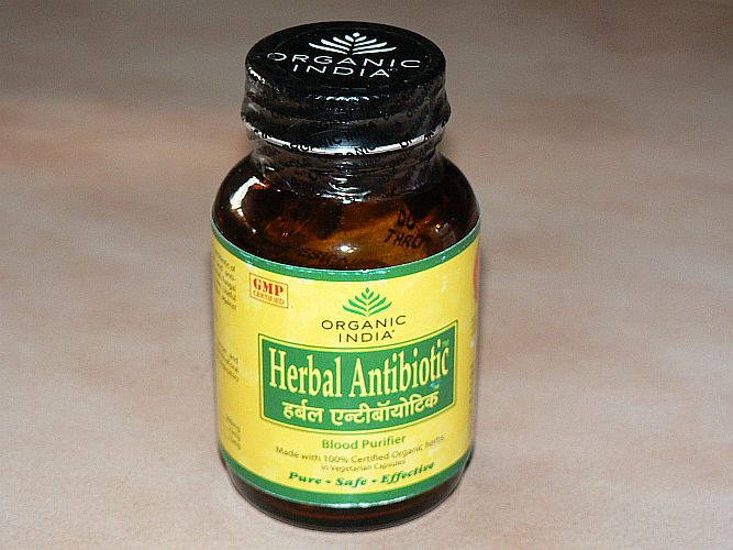 <b>HERBAL ANTIBIOTIC</b><br>Azadirachta indica - Leaves, Twigs and Flowers<br>OI - HERBAL ANTIBIOTIC ORGANIC CERTIFIED<br>60 veg. capsules x 325 mg