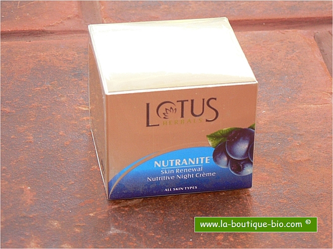 <b>NUTRITIVE NIGHT CREAM</B><BR>LOTUS - NUTRANITE<BR>Grape, Ginseng and Lily nectar<br>50 grs