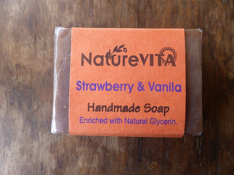 <b>SAVON - VANILLE FRAISE</b><br>NATUREVITA - STRAWBERRY AND VANILLA SOAP<BR>75 grs
