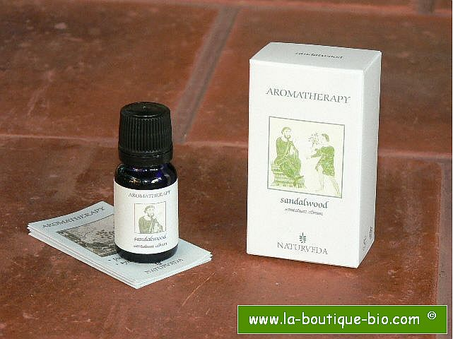 <b>EO - SANDALWOOD</B><br>Santalum Album<br>NAT - 100% NATURAL<br>10 ml PREDILUTED