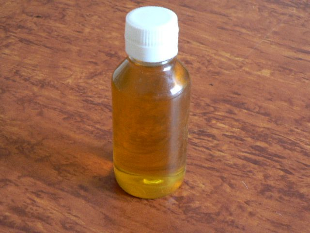 <b>SWEET ALMOND VIRGIN OIL</B><BR>Prunus amygdalus dulcis - ORGANIC CULTIVATION<BR>FIRST COLD PRESSED<BR>Bottle of 100 ml