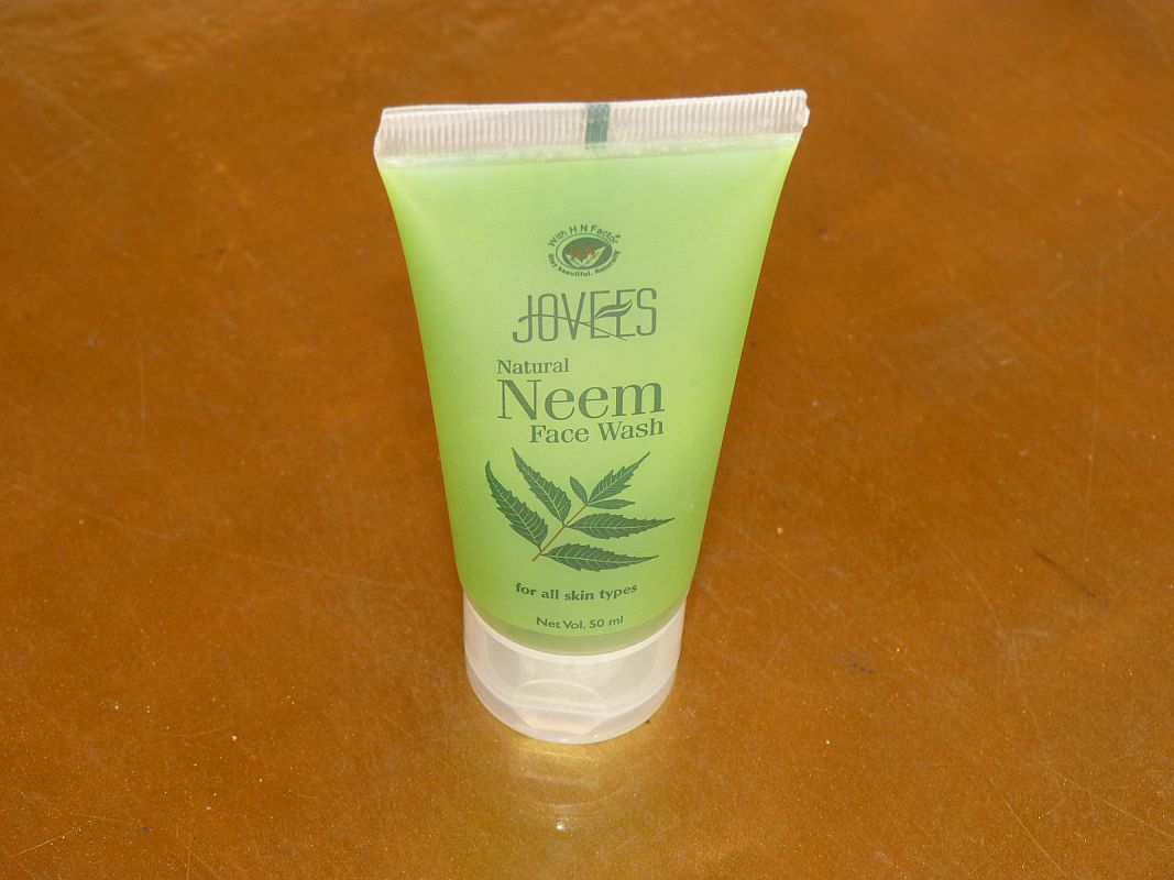 <b>NEEM FACE WASH</B><BR>For all skin types<BR>JOVEES <BR>50 ml